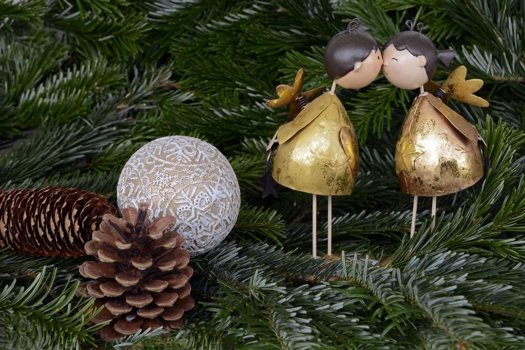 christmas-1824744_1280
